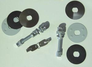 Haubenhalter Abschließbar (GE66)  Lieferung paarweise mit 2 Schlüsseln
